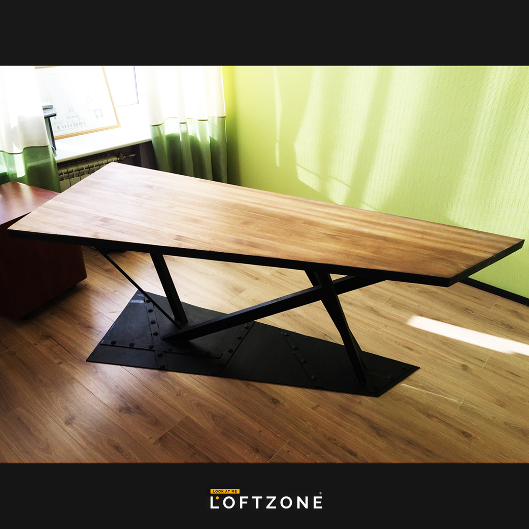 Футуристический стол в стиле «Loft»